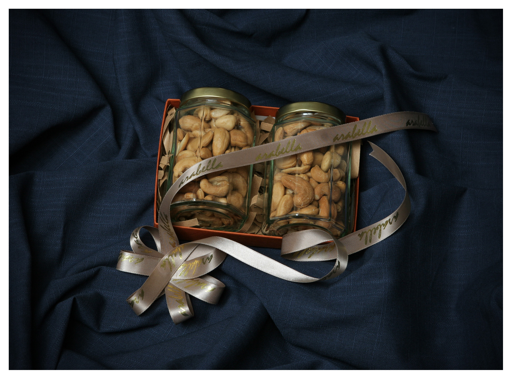 Food as product photography: Roasted jumbo cashew nuts in luxury gift box